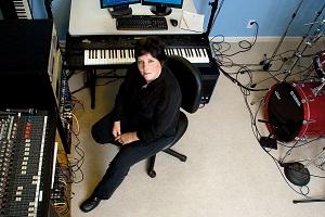 Liz in Studio  300 pix